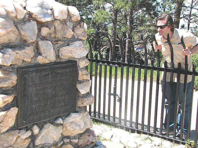 Bills grave