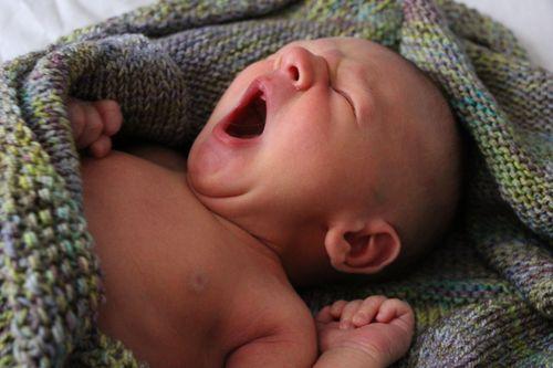 Roman 9 Days old w blanket