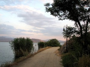 Path_around_the_island
